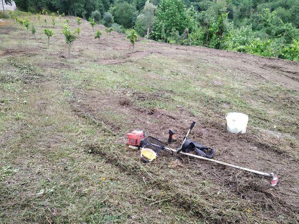 Limpeza Terrenos (Trator + Roçadora)
