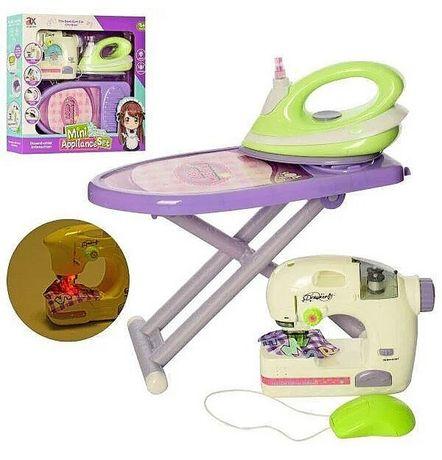 Набор для девочки, маленькой хозяйки:швейная машинка, утюг,гладильная