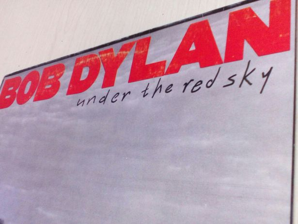 Bob Dylan: Under the Red Sky.