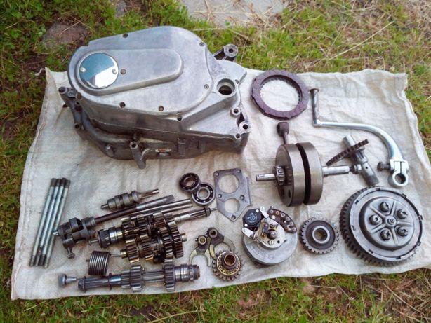 мотор ИЖ Планета Спорт:генератор,головка,КПП,сцепление,сальники,крышка