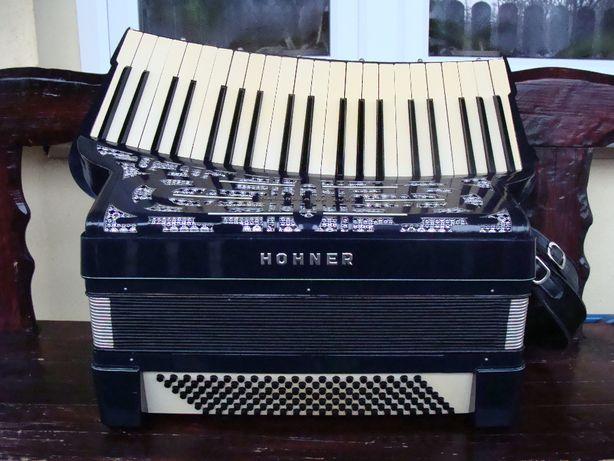 Sprzedam akordeon Hohner Organola de luxe,140 basów.