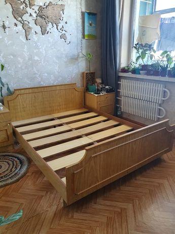 Кровать двуспальная бу 150×190 с матрасом