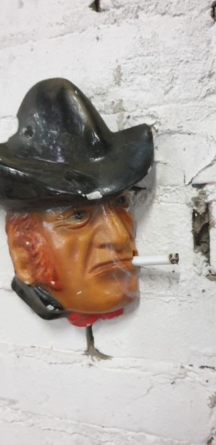 Kowboj zawieszka gipsowa na ścianę PRL