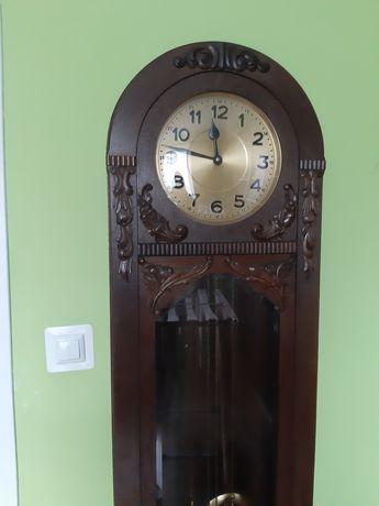 Zabytkowy zegar stojacy kwadransowy HAU