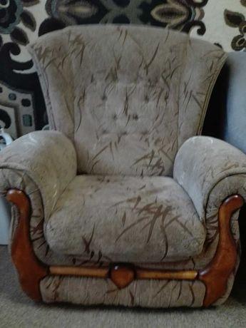 продам два кресла, диван раскладной (120х190) и (116х190)