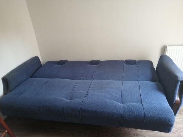 Продам диван под перетяжку! Недорого!