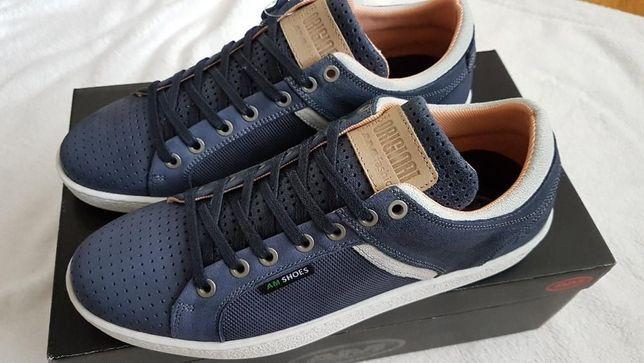Кожаные кроссовки немецкой фирмы Am Shoe 40 р,стелька 26,6см,оригинал.