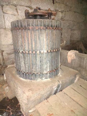 Prensa lagar de vinho em pedra