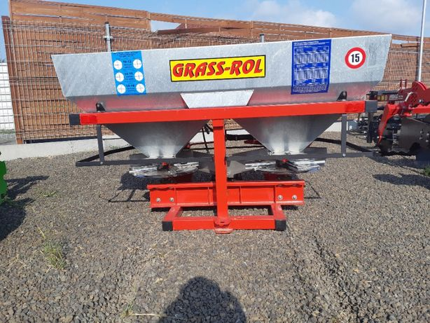 Rozsiewacz 2-tarczowy 600 l Solidnej Firmy GRASS-ROL Plandeka Gratis
