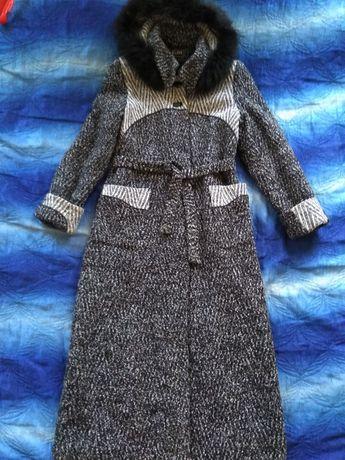 Продам женское пальто 44р.