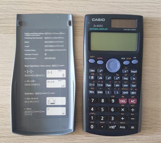 Kalkulator naukowy Casio fx-85ES.