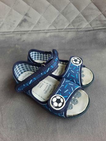 Sandałki dziecięce, kapcie