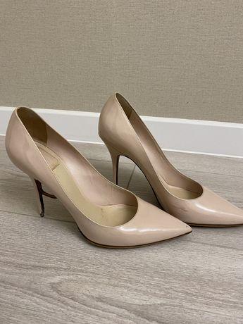 Туфли бежевые Dior оригинал 39,5 рр / бежевые кожаные лодочки Dior