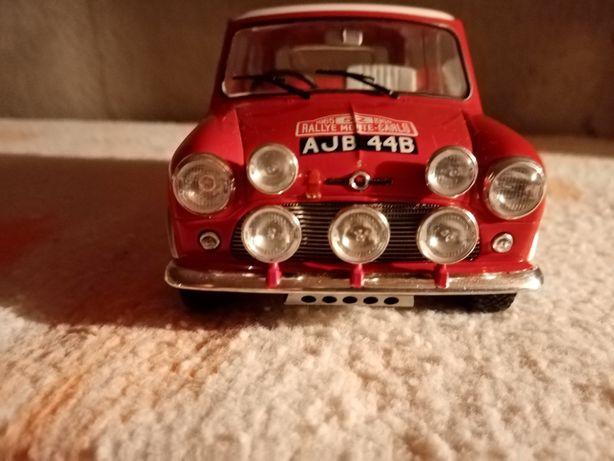 Miniaturas de carros 1.18