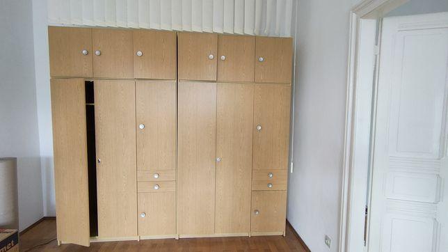 Pojemne szafy modułowe