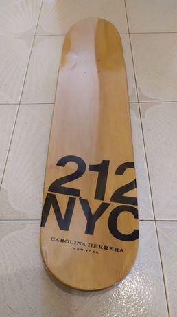 Tabua de Skate NOVA Carolina Herrera 212 NYC