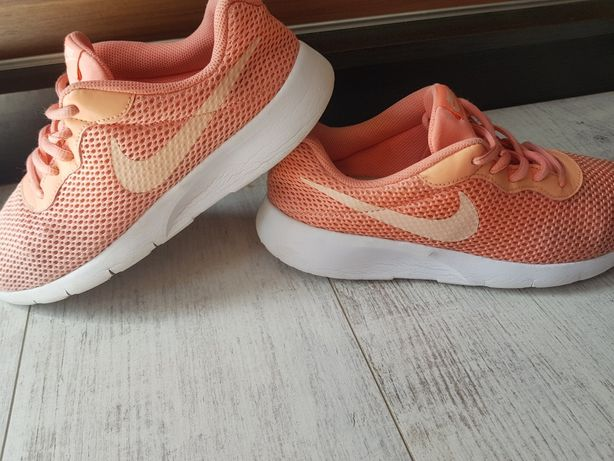 Buty Nike Tanjun r 40