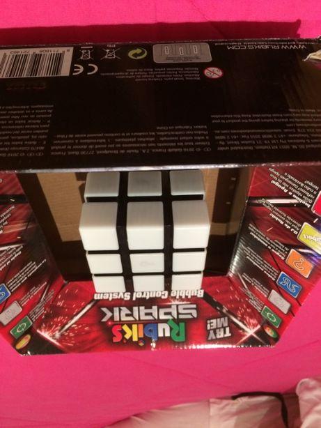 Cubo de Rubik Spark com 6 jogos.