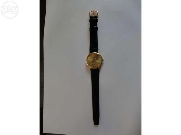 Relógio em ouro Latino