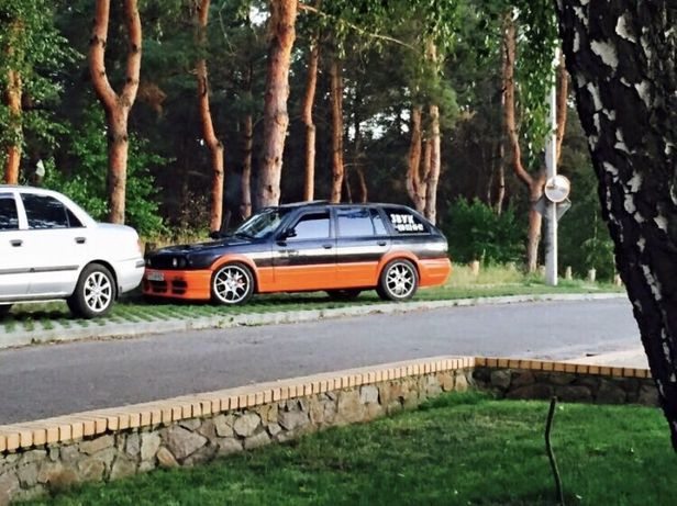 BMW 325і Turing по запчастям фонари
