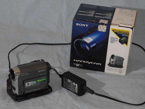 Видеокамера SONY DCR-HC48