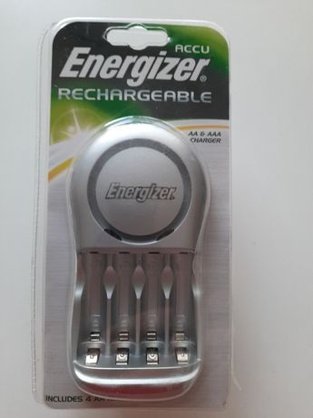 Зарядное устройство для аккумуляторных батареек АА и ААА. Energizer.