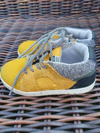 Wiosenne buty dziecięce zara