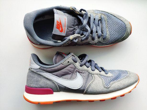 Nike (Найк) 36-37 (23,5 см) Замшевые кросссовки оригинал кросовки