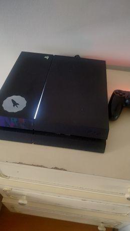 PS4 500GB Com alguns jogos