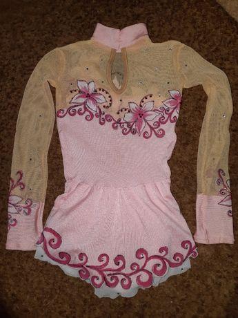 продам нежный розовый купальник для маленькой гимнасточки
