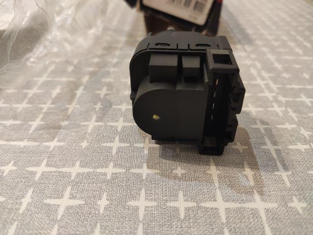 Кнопка вмикання стоп сигналів ,, лягушка ,, Фольксваген Поло