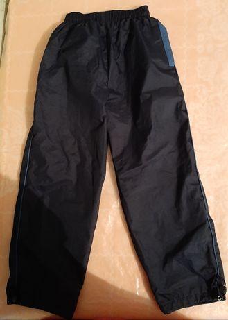 Продам спортивные брюки, плащевка 134-140