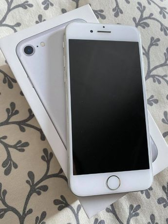 iPhone 7 Silver stan idealny!