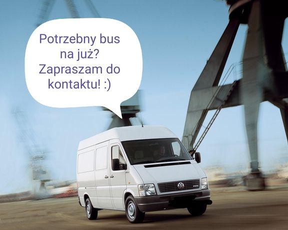 Transport przeprowadzki bagażówki bus van