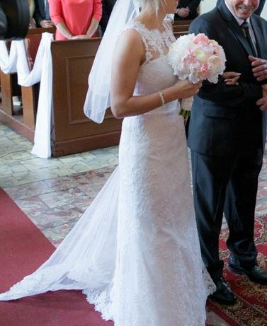 Suknia ślubna , KORONKOWA , dopasowana.
