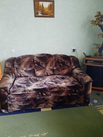 Диван и два кресла в отличном состоянии.