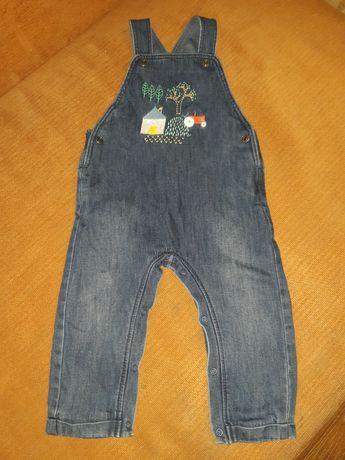 Продам джинсовый комбинезон на подкладке на мальчика на 12 месяцев