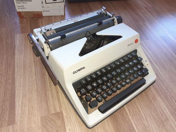 Друкарська машинка OLYMPIA Monica
