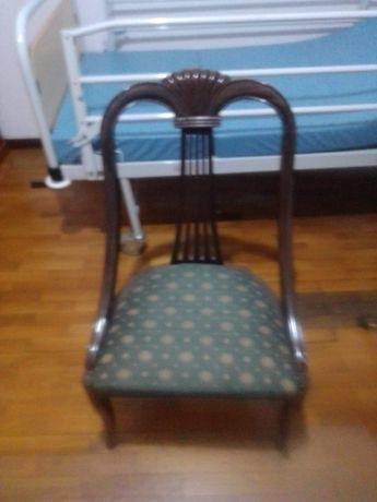 Cadeira vintage em bom estado