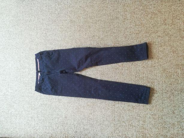 Spodnie granatowe w groszki r.164