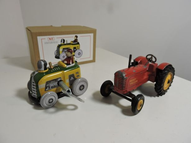 Traktorki zabawki PRL Dinky toys i na kluczyk