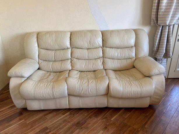 Шкіряний диван і 2 крісла