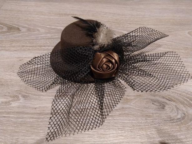 Заколка шляпка