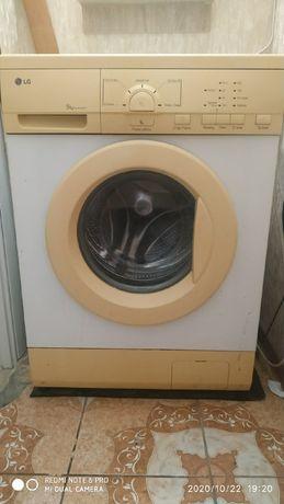 Продам стиральную машину LG. 5кг.