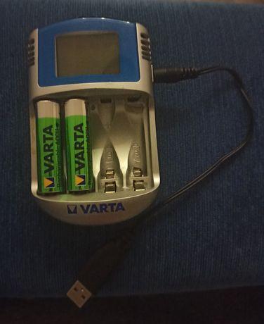 ŁADOWARKA VARTA LCD na 4 akumulatorki R6/AA R03AAA + 2 akumulatory