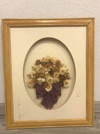 Bukiet suszonych kwiatów w drewnianej ramie/dekoracja 49 na 59cm
