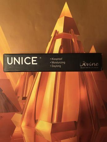Помада матовая Unice