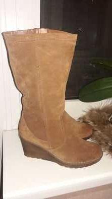 Новые ботинки-полусапоги.Натуральный замш.