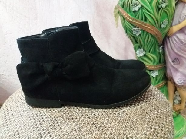 Круті чобітки H&M