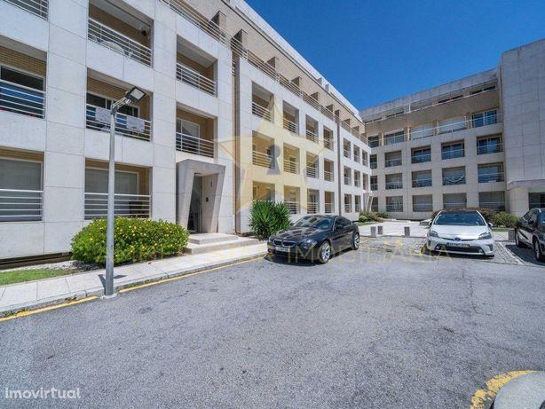 Apartamento T3 Duplex de alto padrão na Granja!